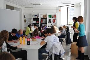 A.Radionica je prvi projekt Sekcije mladih DAR-a. Cilj radionice je priprema kandidata za prijemne ispite na studij arhitekture u vidu crtanja, kao i upoznavanja mladih sa suvremenom arhitekturom, aktualnim radovima i radovima vodećih arhitekata.