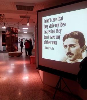 """Tema desete Noći muzeja bila je """"Izumi i otkrića – Nikola Tesla univerzalni um"""". Ove se godine desetoj jubilarnoj Noći muzeja pridružilo svojim programom i Društvo arhitekata Rijeka."""